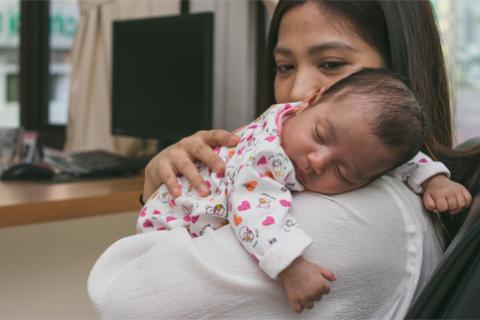 Sistem kekebalan tubuh bayi yang belum sempurna menyebabkan mereka rentan mengalami gangguan kesehatan di musim hujan.